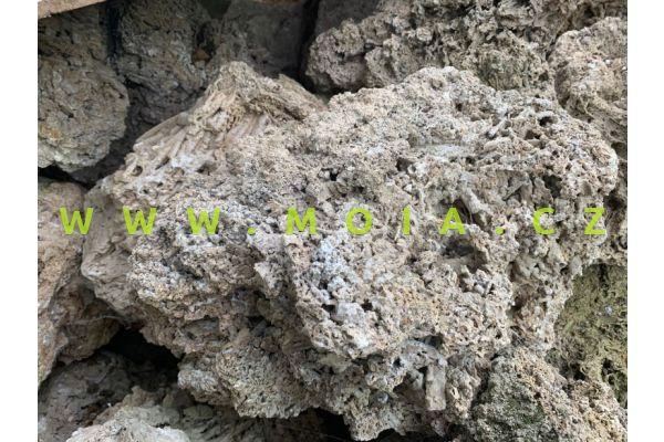 Vysoce porézní travertinTravertin XL, cena/kg
